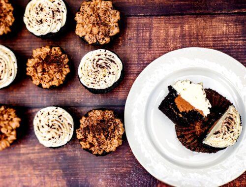 Death by Leprechaun Chocolate & Irish Cream Cupcakes
